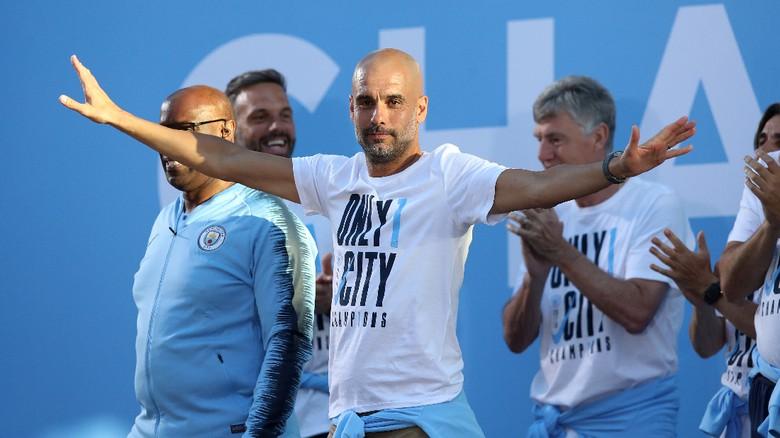 Teken Kontrak Baru, Guardiola di City hingga 2021