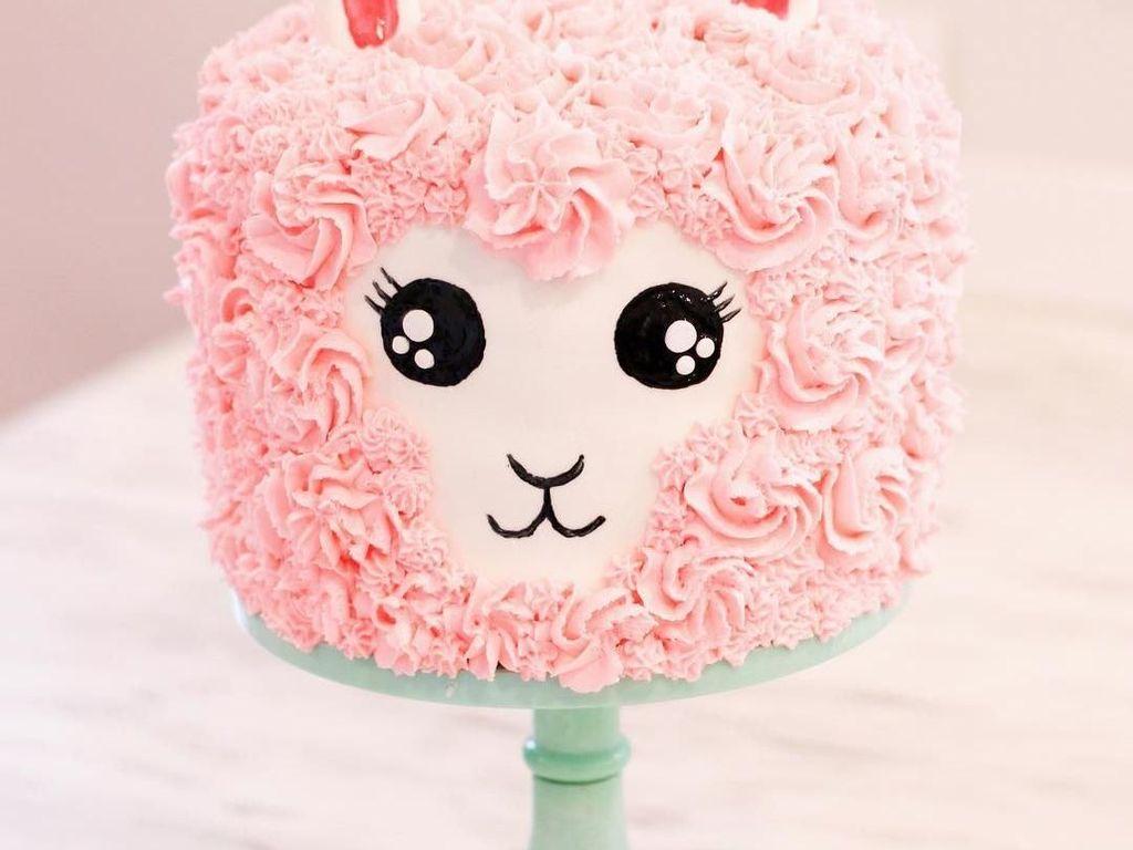Gemas! Kue-kue Berbentuk Llama Ini Siap Saingi Popularitas Unicorn
