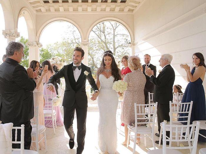 Cesc Fabregas menikahi kekasihnya Pernikahan Cecs Fabregas (Instagram @danielasemaan)