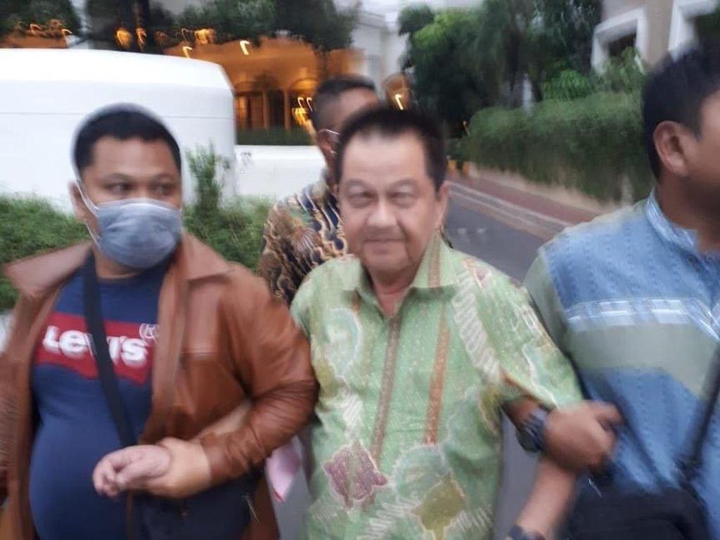 Kejari Jakbar Tangkap Buron Kasus Penipuan Miliaran Rupiah