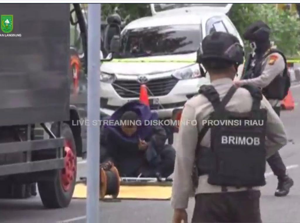 Suasana Menegangkan Polda Riau yang Diserang Teroris