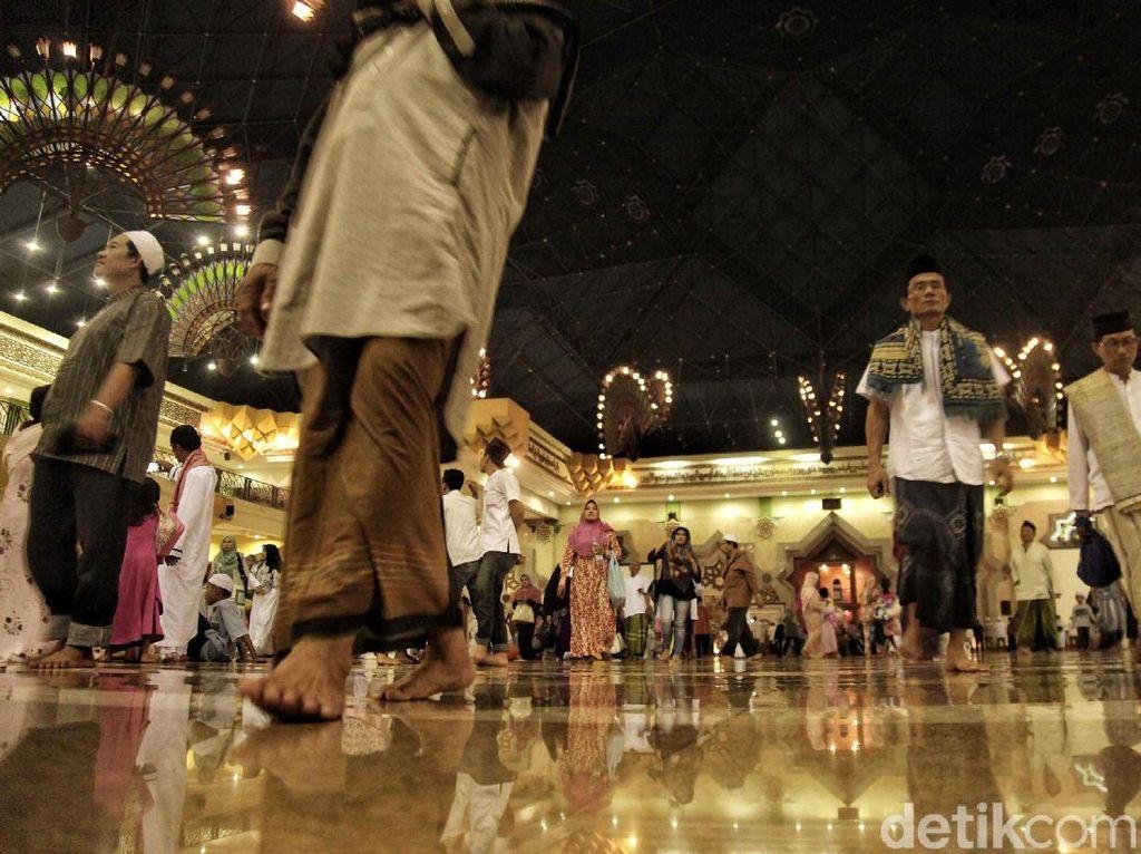 Geger Imam Tarawih Positif Corona Nekat ke Musala