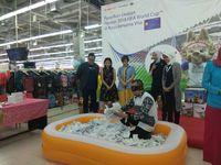 2 Pelanggan Transmart Carrefour Nonton Piala Dunia Gratis ke Rusia