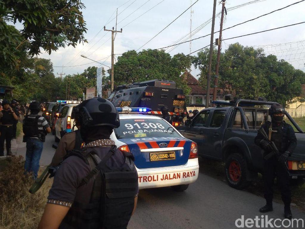 Polisi Tangkap Terduga Teroris di Cirebon