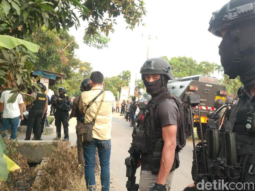 Ada 2 Terduga Teroris Ditangkap Densus di Cirebon