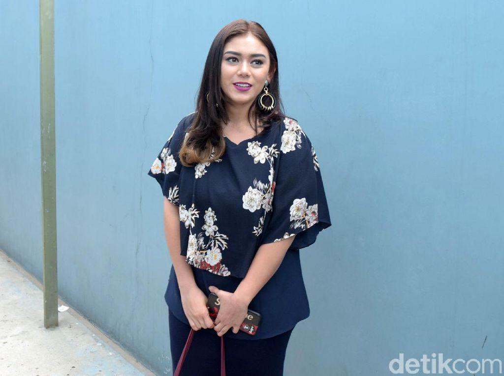 Operasi Tumor Tiroid Selesai, Thalita Latief: Alhamdulillah, I Survived