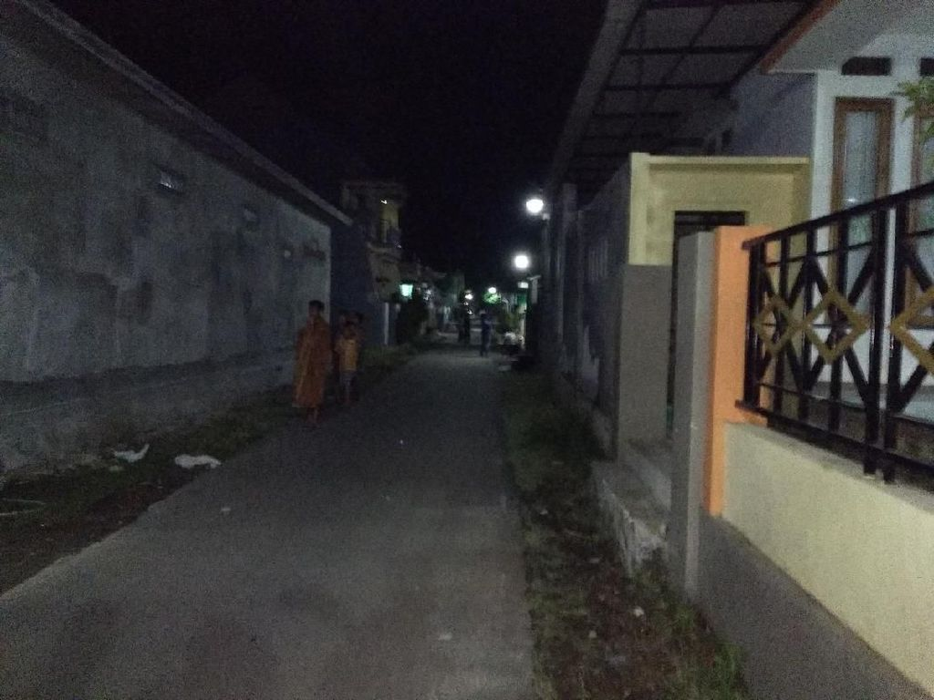 Densus Sita Senapan Angin dan Dokumen Musala Eksklusif Probolinggo