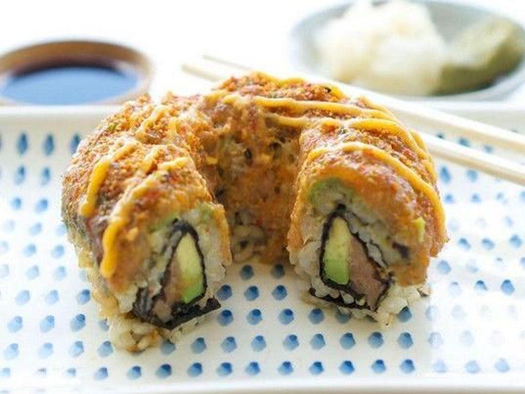 Wow! Ini Dia Donat Sushi Jumbo dengan Berat 7.2 Kg!