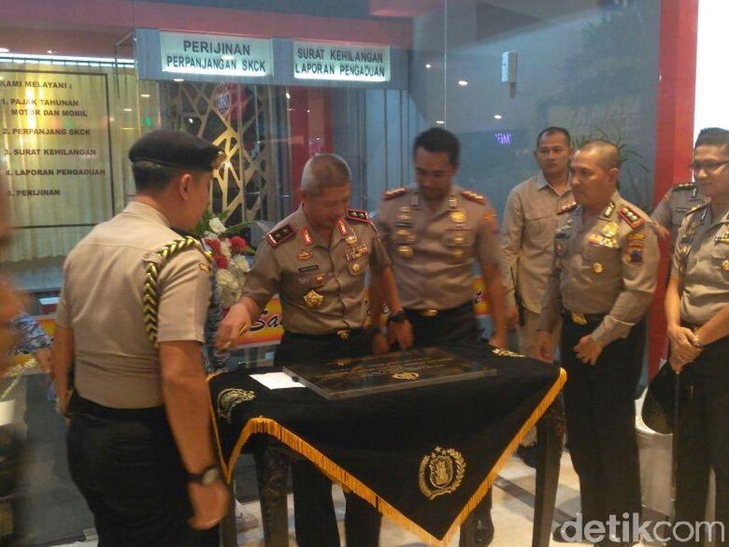 Kapolda Jateng Resmikan Gerai Pelayanan Terpadu yang Dibuka di Mall
