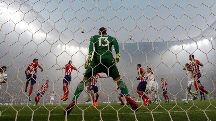 Kiper Atletico Madrid, Jan Oblak. (Foto: Christian Hartmann/Reuters)