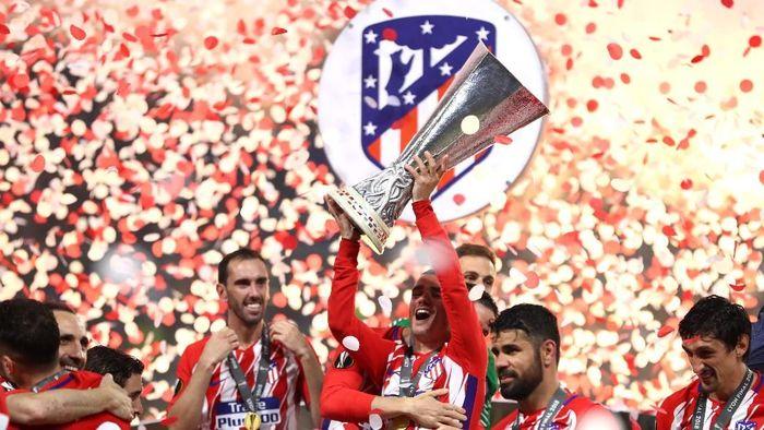 Atletico Madrid menghadapi Real Madrid di Piala Super Eropa. (Foto: Michael Steele/Getty Images)