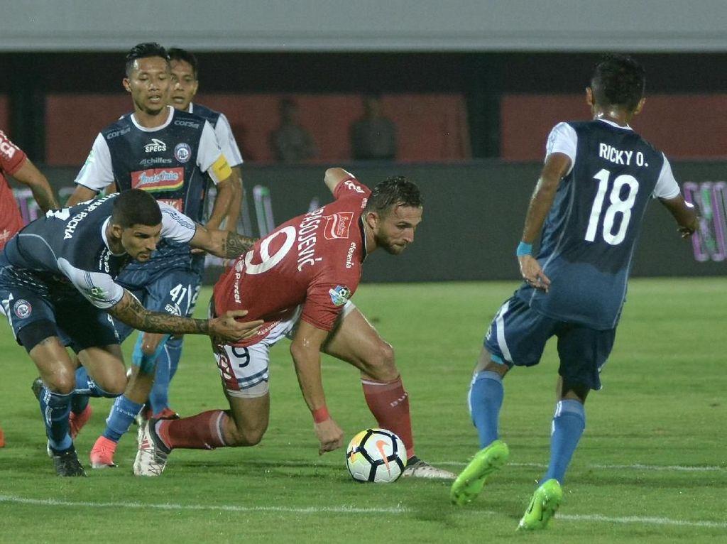 Arema FC Gelar Laga Amal Untuk Haringga Sirila