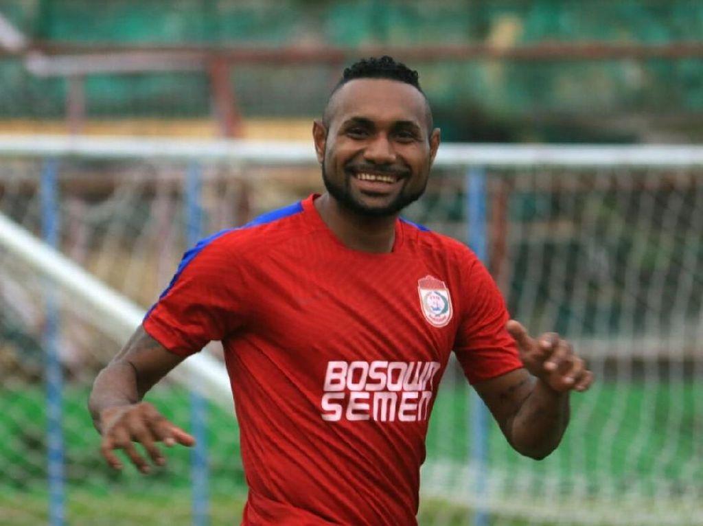 Titus Bonai Batal ke Bhayangkara FC