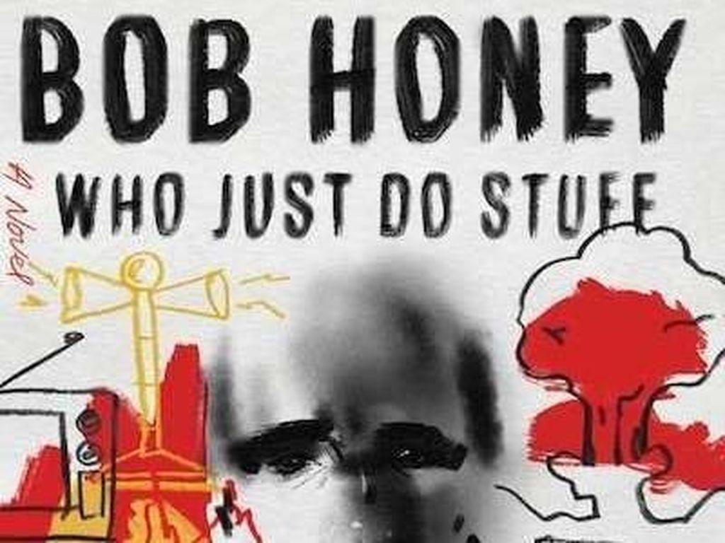 Novel Perdana Sean Penn Dikritik Habis-habisan dan Disebut Karya Bodoh