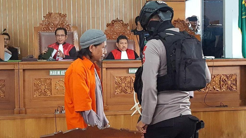 Foto: Dijaga Ketat, Aman Abdurrahman Hadiri Sidang Tuntutan
