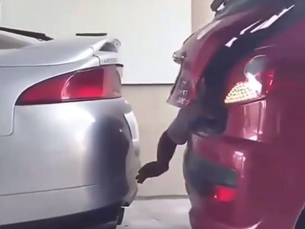 Kocak, Begini Jadinya Sensor Parkir Manual di Mobil