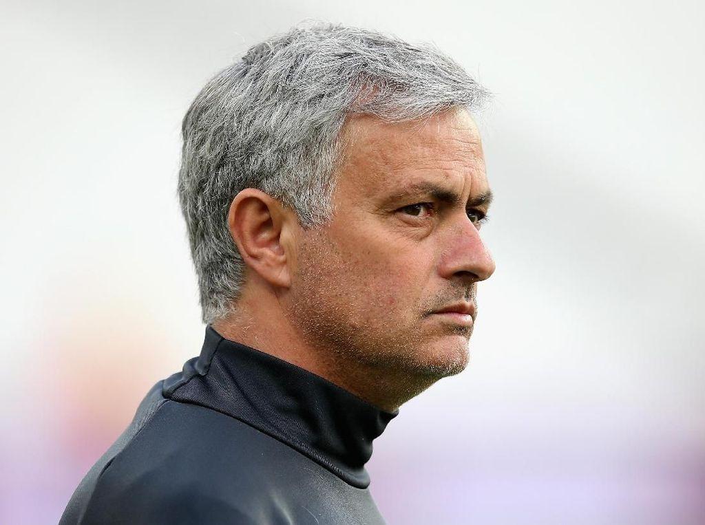 Suasana MU Boleh Negatif di Pramusim, tapi Mourinho Mampu Membalikkannya