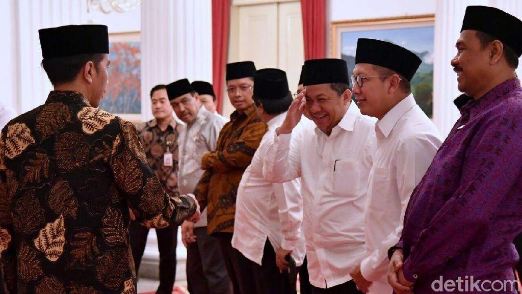 Momen Hangat Jokowi, Fahri, dan Fadli Zon Buka Bersama di Istana