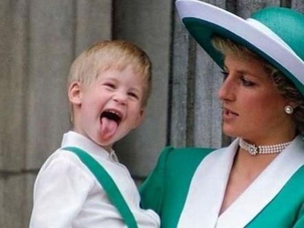 Saat Putri Diana Memarahi Pangeran Harry