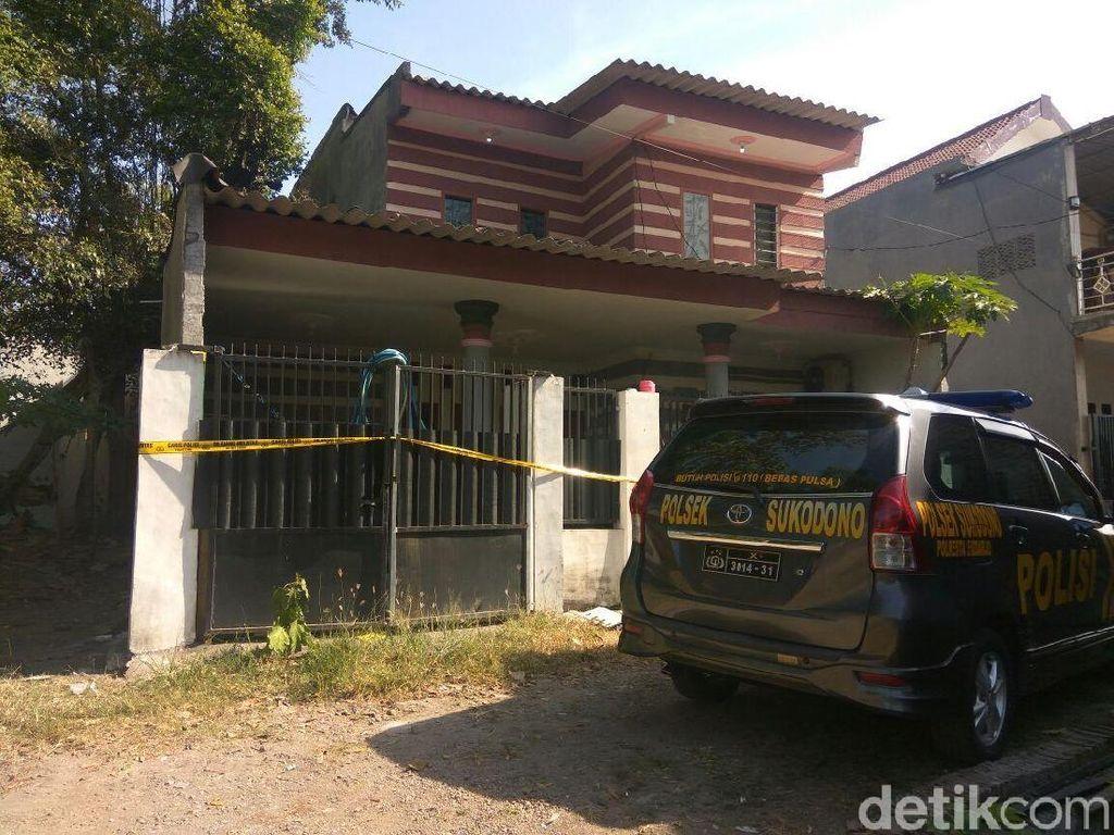 Densus Amankan Anak Panah dan Mesiu di Rumah Teroris Sidoarjo
