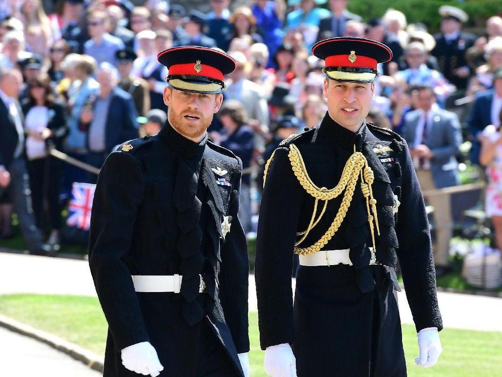 Alasan Manis Pangeran Harry Beri Cincin Putri Diana Untuk William