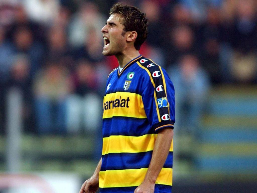 Kenangan Adrian Mutu di Inter: Dikejar Peruzzi Gara-gara Penalti Panenka