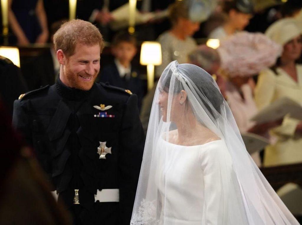 Foto: Suvenir Koin Pangeran Harry & Meghan Markle