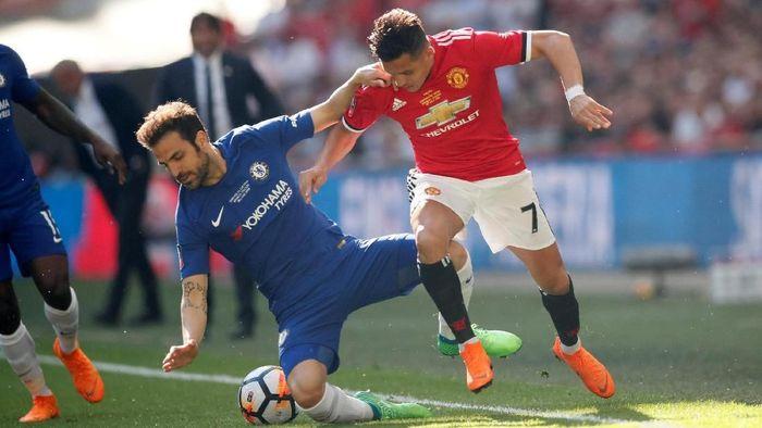 Chelsea menghadapi Manchester United di final Piala FA yang digelar di Stadion Wembley, Sabtu (19/5/2018) malam WIB. Bagi kedua tim, laga ini jadi kans terakhir meraih trofi di musim ini. Foto: David Klein/Reuters