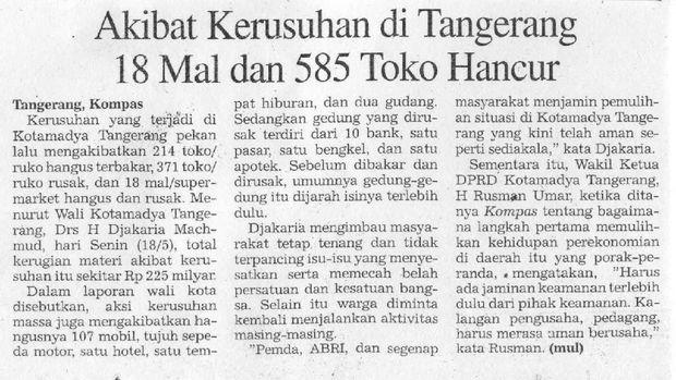 Potongan koran nasional yang menunjukkan kondisi Indonesia ketika Reformasi 98 terjadi