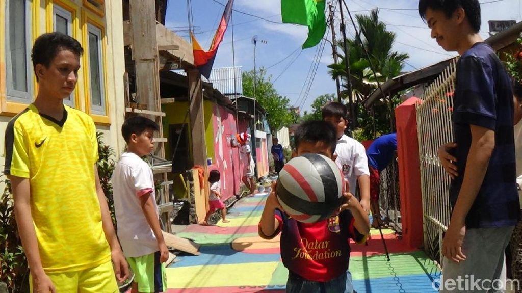 Warna-warni Kampung Piala Dunia di Manado