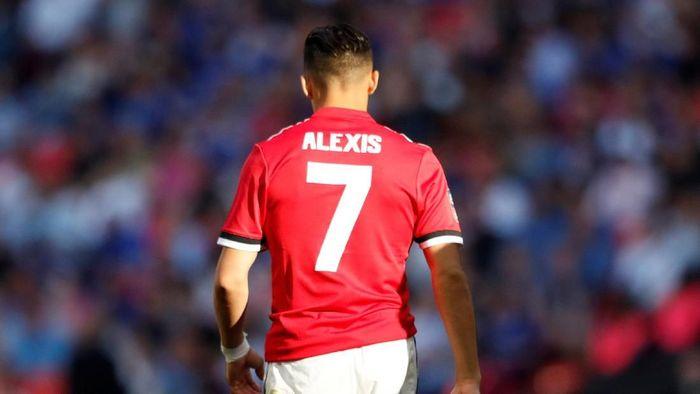 Alexis Sanchez belum mampu menghidupkan lini depan Manchester United. (Foto: Lee Smith/REUTERS)