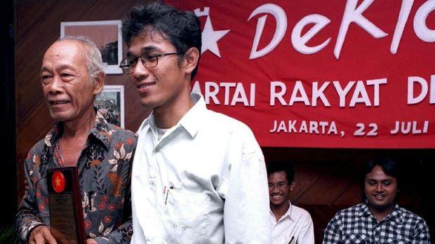 Budiman Sudjatmiko pernah divonis 13 tahun penjara karena dianggap mendalangi kerusuhan 27 Juli 1996.