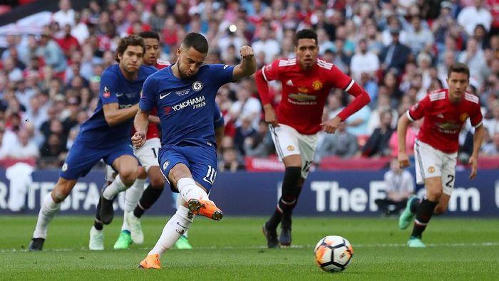 Chelsea unggul 1-0 atas Manchester United di babak pertama final Piala FA (Foto: Lee Smith/Action Images via Reuters)