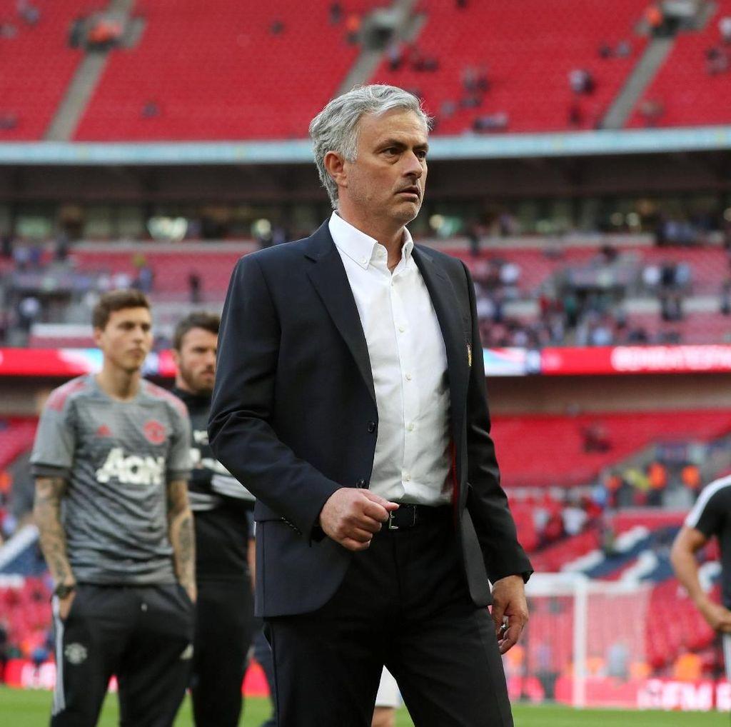 Mourinho: Chelsea Tak Pantas Menang