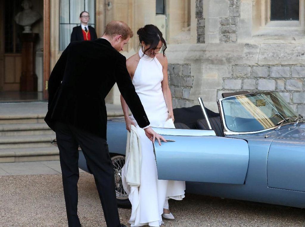 Ini Bedanya Mobil Pangeran Harry dan William di Hari Pernikahan