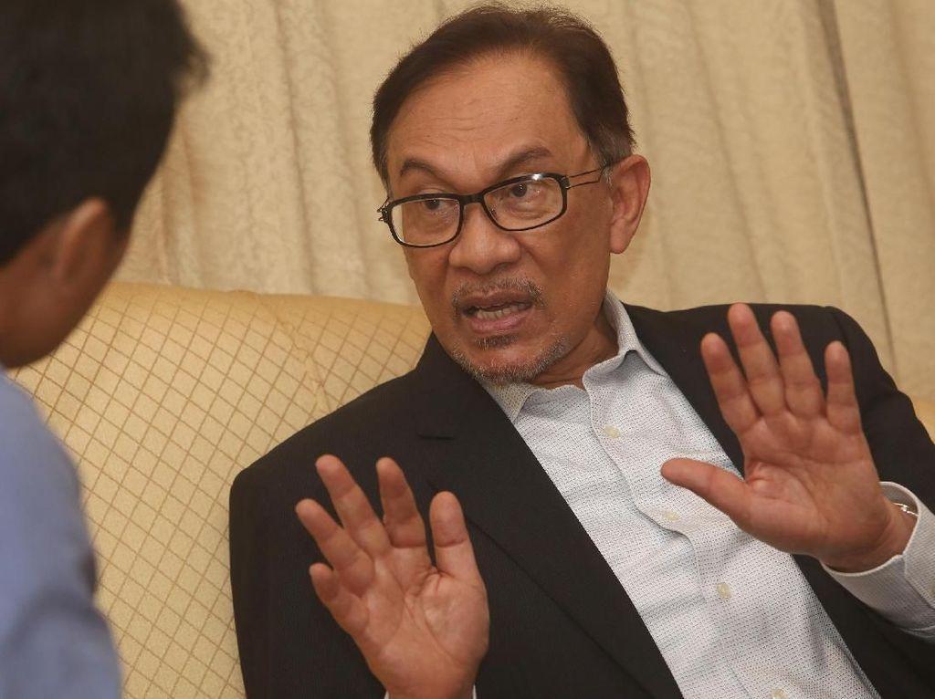 20 Tahun Reformasi Indonesia di Mata Anwar Ibrahim