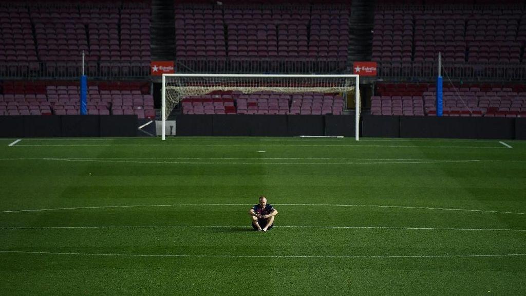 Video Detik-detik Terakhir Iniesta Merumput di Camp Nou