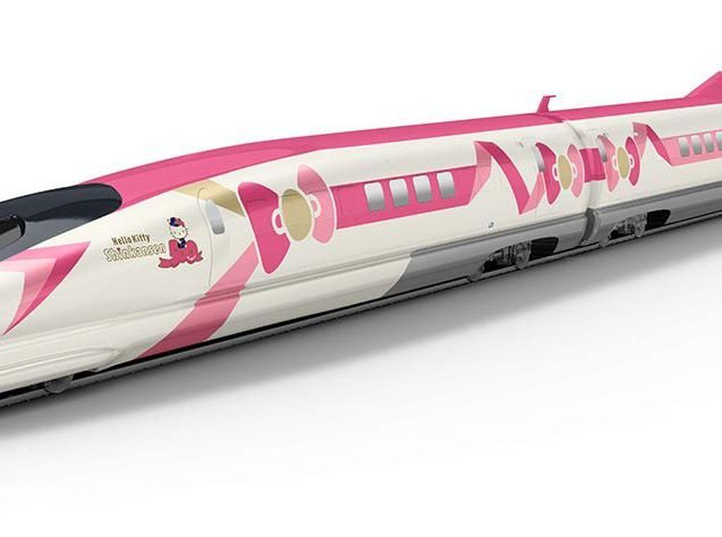 Foto: Kereta Shinkansen Bertema Hello Kitty, Gemas Banget!