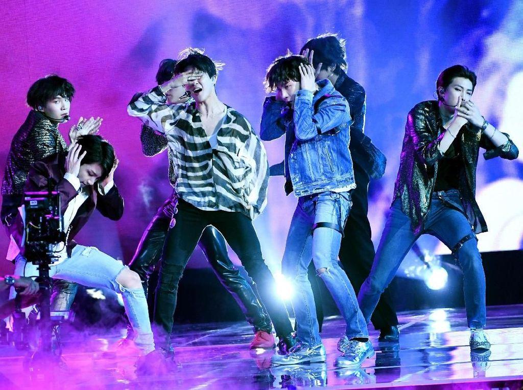 Kocak! BTS Dikerjai saat Tampil di Acara Ellen DeGeneres