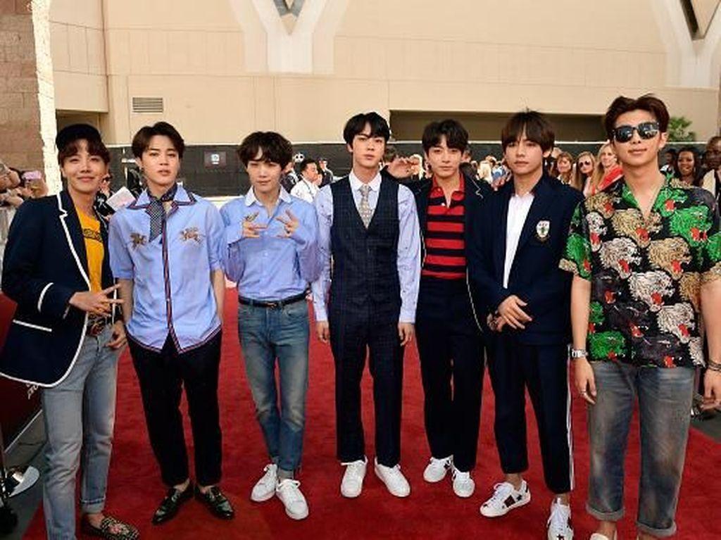 Hore! Lagu BTS dan EXO Akan Diputar di Stadion Final Piala Dunia 2018