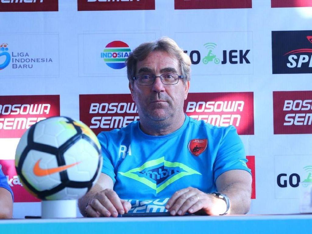 Rene Alberts Pelatih Baru Persib Bandung