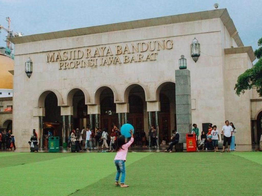 Jokowi Akan Kurban Sapi Limosin di Masjid Raya Bandung