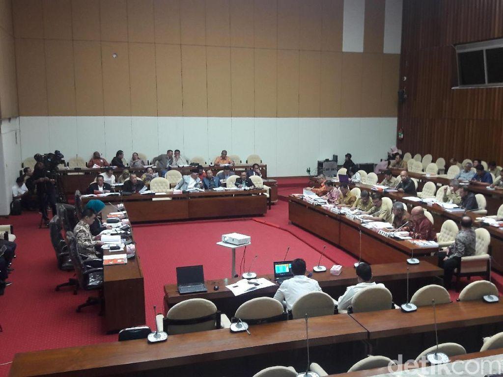 Komisi II Rapat dengan KPU-Bawaslu, Bahas PKPU Rekapitulasi Suara