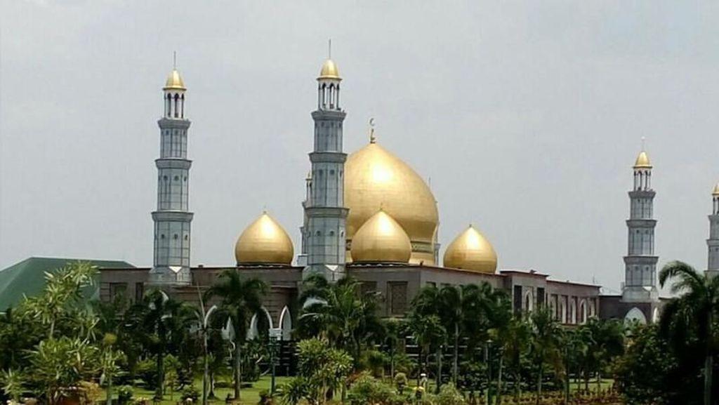Foto: Megahnya Masjid Kubah Mas Depok