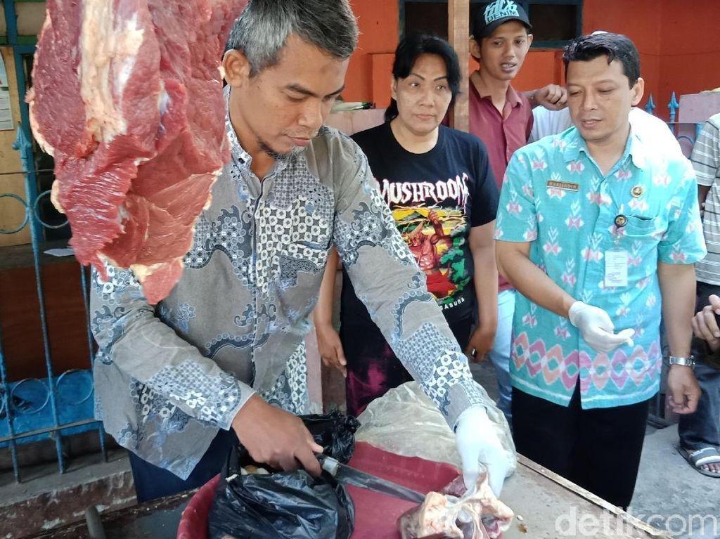 Begini Cara Pemkot Kediri Pastikan Daging Sapi Bebas Cacing Pita