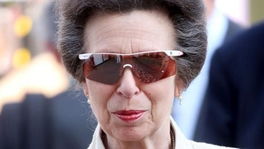 Beda dengan Putri Diana, Putri Inggris Ini Tak Mau Salaman dengan Publik