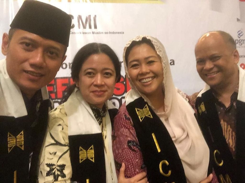 Selfie Kompak Anak Presiden: AHY, Puan, Yenny Wahid, Ilham Habibie