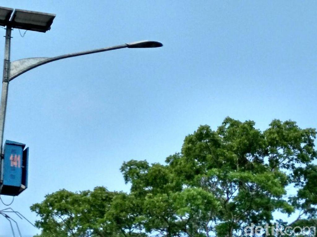 Puluhan Baterai Lampu di Jalur Mudik Ciamis Dipreteli Pencuri