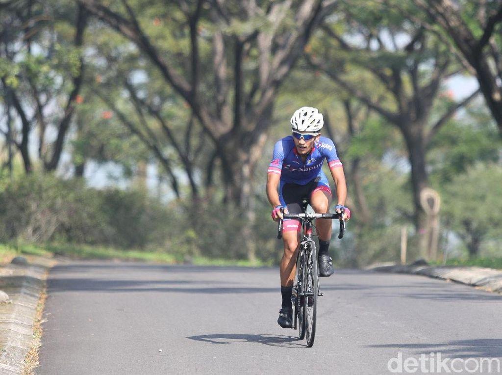 Harapan Medali Balap Sepeda Road Race di Pundak Aiman Cahyadi