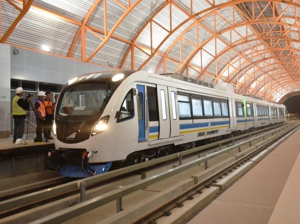 Setahun Beroperasi, LRT Palembang Angkut 2 Juta Penumpang